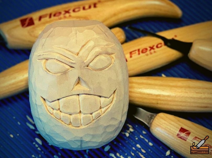 Face Carving Out of Wood with Flexcut Knives #Beginner Carver