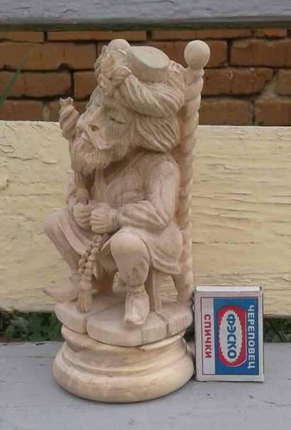 Chess King figure - wood carving with match-box to show it's size