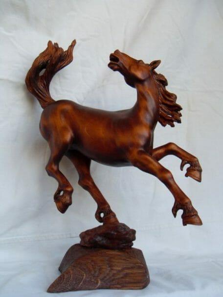 """Horse carved of mapple wood Author - <a href=""""http://www.rezbaderevo.ru/igorivchenko"""" rel=""""nofollow"""">Igor Ivchenko</a>"""