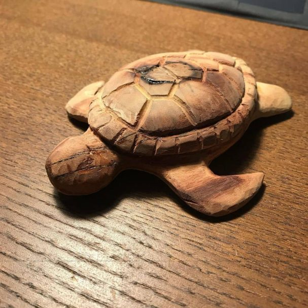 """Wood carved Turtle Author - <a href=""""https://www.instagram.com/something_to_do_with_wood/"""" rel=""""nofollow"""">ゼロ_Craft</a>"""