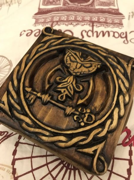"""relief carving Owl Author - <a href=""""https://vk.com/id448571440"""" rel=""""nofollow"""">Eugene Gordienko</a>"""