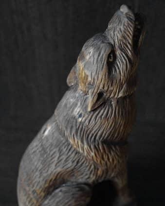 "Wooden Totem Wolf Author - <a href=""https://www.instagram.com/rabenschanzzze/"" rel=""nofollow"">𝕽𝖆𝖇𝖊𝖓𝖘𝖈𝖍𝖆𝖓𝖟𝖊 Dmitry Loginov</a>"