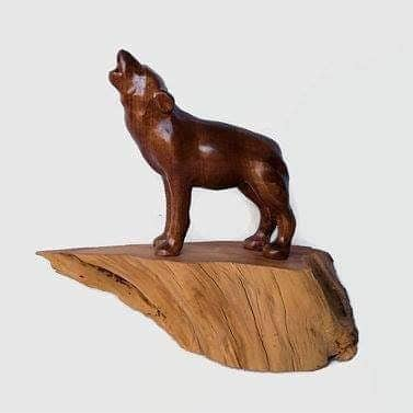 """Carving Wolf figure Author - <a href=""""https://www.instagram.com/northwoodscarvings/"""" rel=""""nofollow"""">Marc and Claire Degagne</a>"""