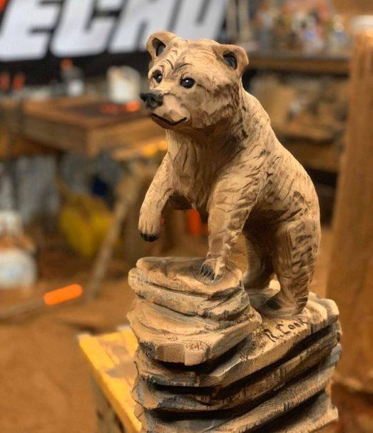 "Niedźwiedź figurka rzeźbiona w drewnie Author - <a href=""https://vk.com/artwoodbg"" rel=""nofollow"">Art WoodCarving</a>"
