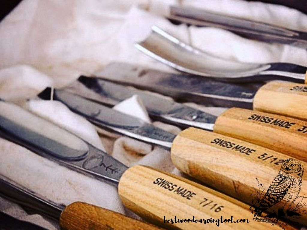 All included wood carving set