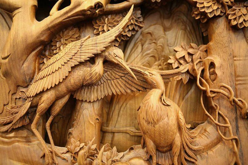"Projekt rzeźbienia w drewnie w Dongyang Author - <a href=""https://www.thisiscolossal.com/"" rel=""nofollow"">Colossal</a>"