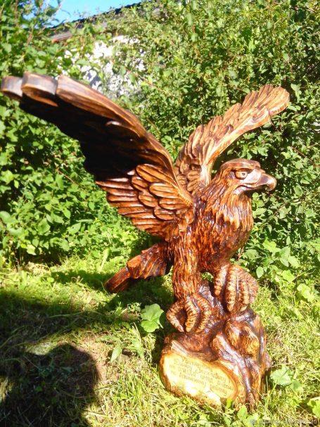 """Eagle - Holzschnitzerei-Projekt Author - <a href=""""https://vk.com/rezba_nsk"""" rel=""""nofollow"""">Wood Sculptor</a>"""