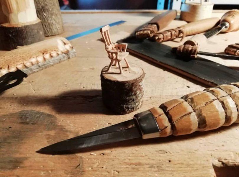 """Mini krzesełko wyrzeźbione z drewna Author - <a href=""""https://vk.com/artwoodbg"""" rel=""""nofollow"""">Art WoodCarving</a>"""