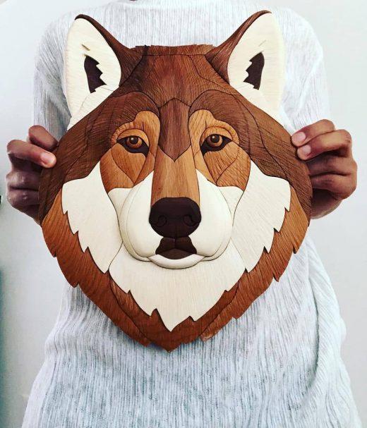 """Rzeźba w drewnie - Głowa wilka Author - <a href=""""https://www.instagram.com/sharon_woodwork/"""" rel=""""nofollow"""">sharonwoodwork</a>"""