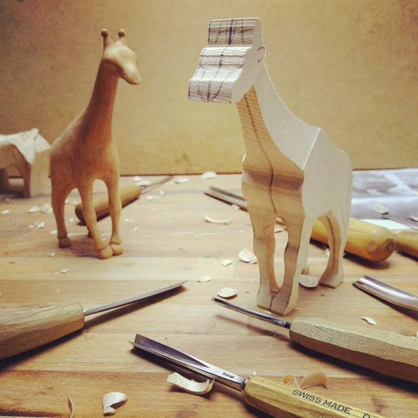 """Wood Carving Giraffe  Author - <a href=""""https://www.instagram.com/woodytua/"""" rel=""""nofollow"""">Interior and children's toys</a>"""