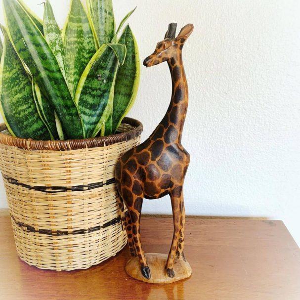 "vintage wooden giraffe figurine Author - <a href=""https://www.instagram.com/newleafcollective_/"" rel=""nofollow"">New Leaf Vintage</a>"