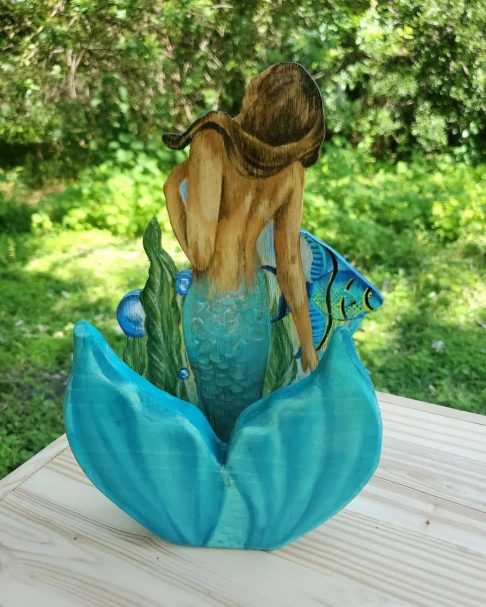 """carved out mermaid phone holder Author - <a href=""""https://www.instagram.com/ewfw_/"""" rel=""""nofollow"""">ewfw_</a>"""