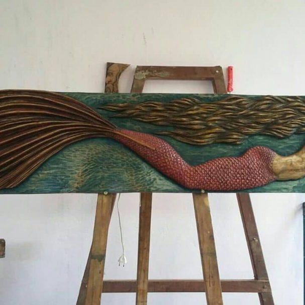 """mermaid relief carving Author - <a href=""""https://www.instagram.com/sdentalhe/"""" rel=""""nofollow"""">Sandro Dias arte em madeira</a>"""